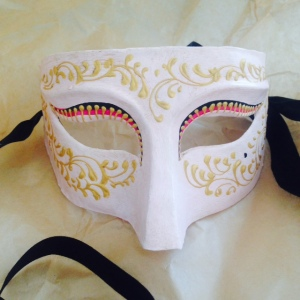 Mask from Alberto Sarria.